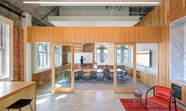 小面积办公室装修是指面积低于100平米的办公室空间.